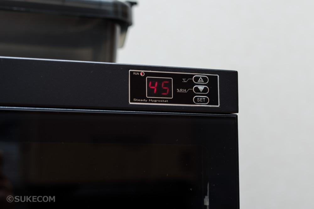 防湿庫でカメラとレンズの湿気対策