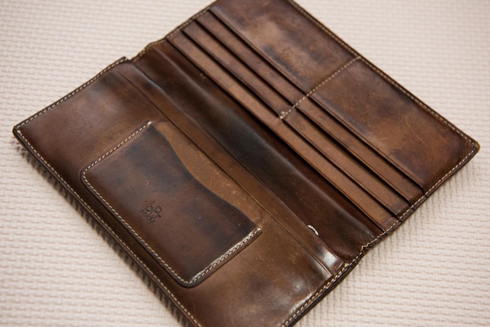 ぼろぼろな財布
