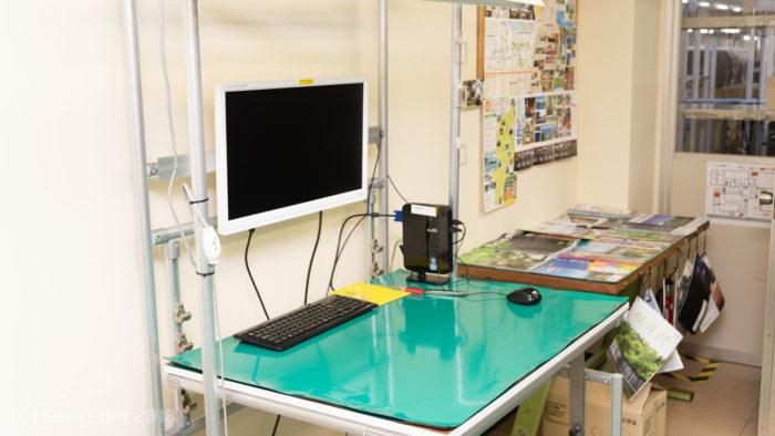 パソコン組み立て体験の部屋