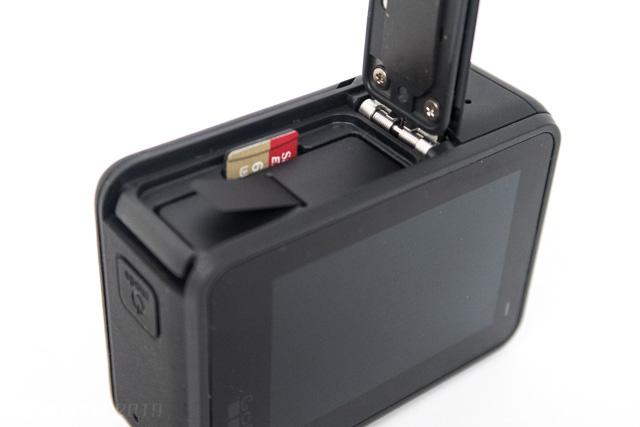 SDカードの挿入箇所